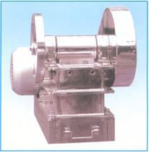EP-50×80实验室用刚玉陶瓷颚式破碎机 的图片