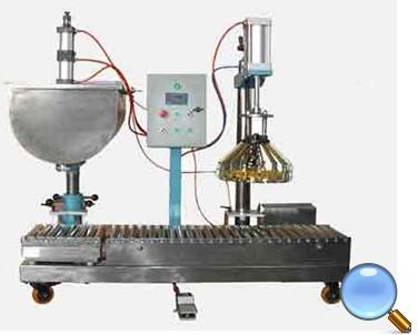 称重式半自动液体灌装机的图片