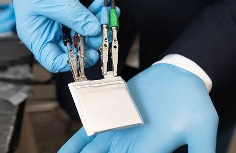 弹性塑料电解质实现锂离子电池新设计