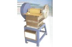 陶瓷颚式粉碎机的图片